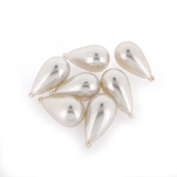 Goccia plastica mm 33x20 con anello perla