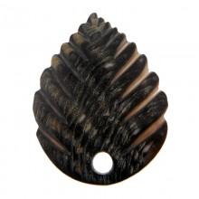 Particolare in conchiglia con foro cm cm 5.5x4 circa
