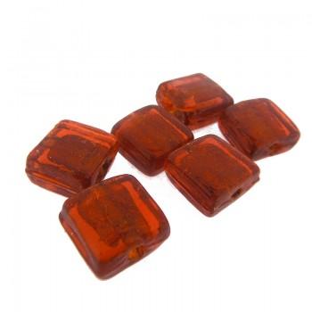 Quadrato in vetro rosso da mm 9x9 con foro passante