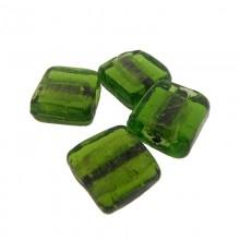 Quadrato in vetro verde da mm 12x12 con foro passante